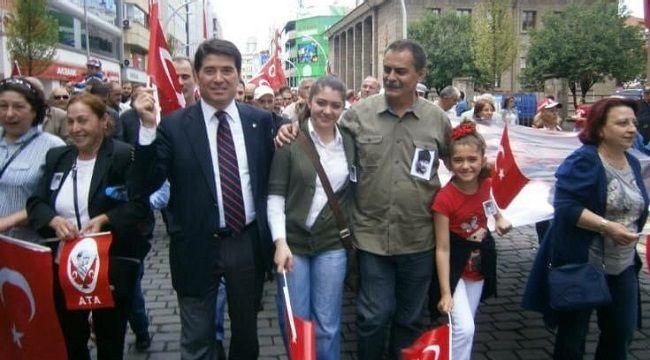 """Ahmet Kaya'dan 19 Mayıs Mesajı: """"Gençlik Umuttur"""""""