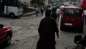 Pazar Aktepe Köyü Durak Kavşağı, Yayalar İçin Tehlike Saçıyor