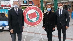 10 Kasım'da CHP ve ADD Çelenk Koydu