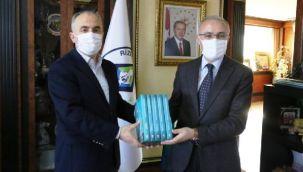 Rektör Karaman Rize Belediye Başkanını Ziyaret Etti