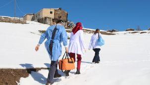 Rize'de Sağlıkçıların Zorlu Aşı Mesaisi