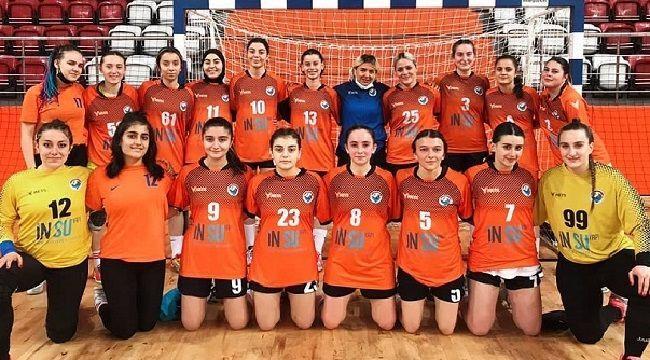 Kadın Hentbol Takımımız Kırşehir'e Gitti