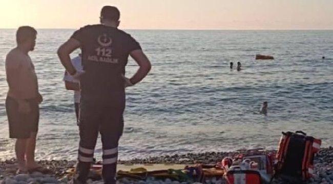Pazar Hamidiye'de Denize giren Genç Boğuldu.