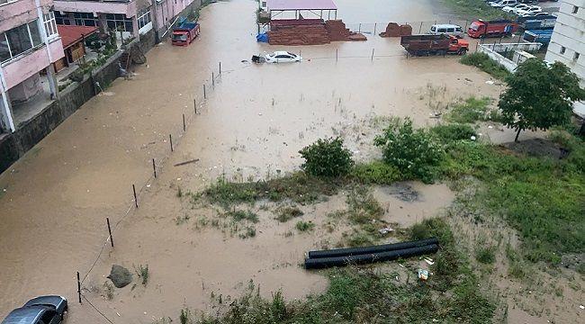 Pazar'da Aşırı Yağış Korkuttu!